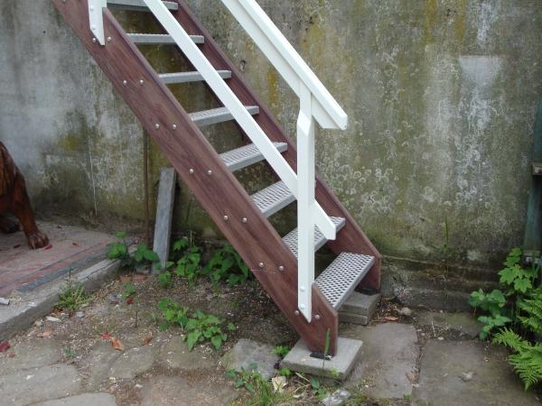 Trap naar tuin